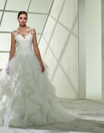 Robes de mariées - Maison Lecoq - robe N°920 192.32 1145 €
