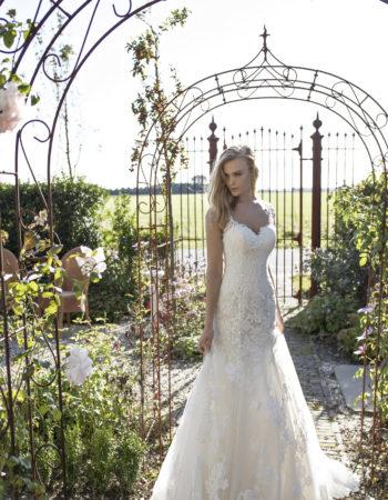 Robes de mariées - Maison Lecoq - robe N°932 Deborah 1595 €
