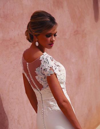Robes de mariées - Maison Lecoq - robe N°940a 190-315-01 1435 €