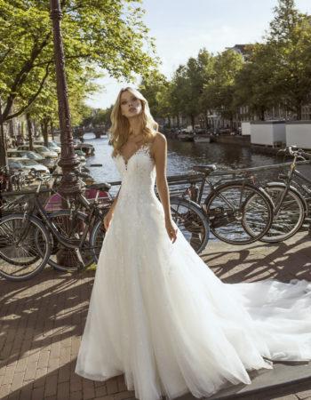Robes de mariées - Maison Lecoq - robe N°056 Festa 1450 €