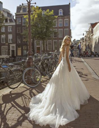 Robes de mariées - Maison Lecoq - robe N°056a Festa 1450 €