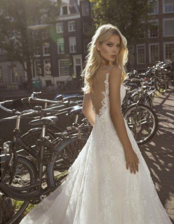 Robes de mariées - Maison Lecoq - robe N°056c Festa 1450 €