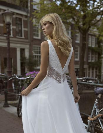 Robes de mariées - Maison Lecoq - robe N°26a Fiona 1095 €