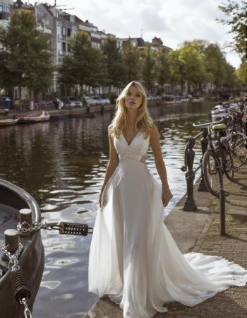 Robes de mariées - Maison Lecoq - robe N°26b Fiona 1095 €