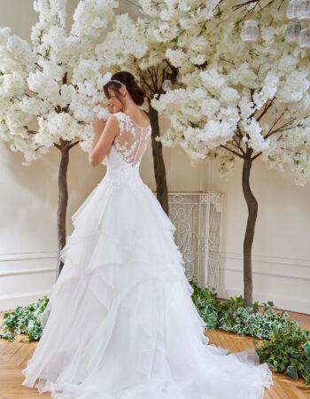 Robes de mariées - Maison Lecoq - robe N°126A 214-21 895 €