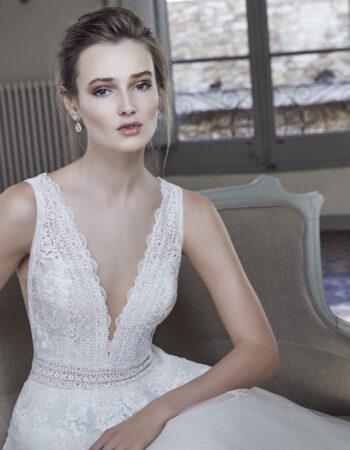 Robes de mariées - Maison Lecoq - robe N°129 212-03 1350 €