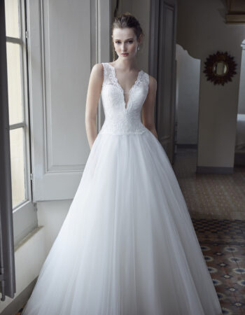 Robes de mariées - Maison Lecoq - robe N°130A 212-10 1150 €