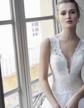 Robes de mariées - Maison Lecoq - robe N°130B 212-10 1150 €
