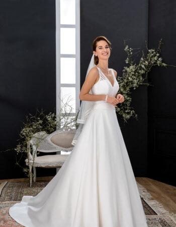 Robes de mariées - Maison Lecoq - robe N°137 VIBRATION 795 €
