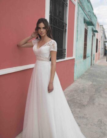 Robes de mariées - Maison Lecoq - robe N°010 BM144 650 €