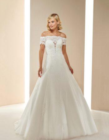 Robes de mariées - Maison Lecoq - robe N°058a Muguet 955 €