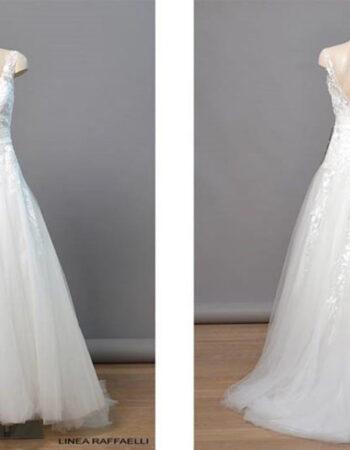 Robes de mariées - Maison Lecoq - robe N°937 190-352-01 1525 €