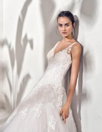 Robes de mariées - Maison Lecoq - robe N°966 FINN 1345 €
